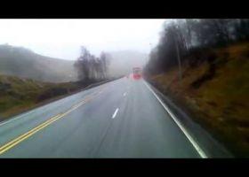 Važiuojant nukrenta ratas